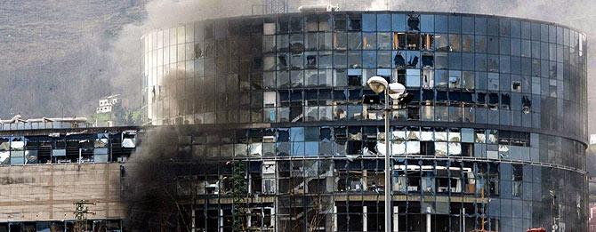 Imagen del edificio destrozado tras la explosión. (Foto: Carlos García)