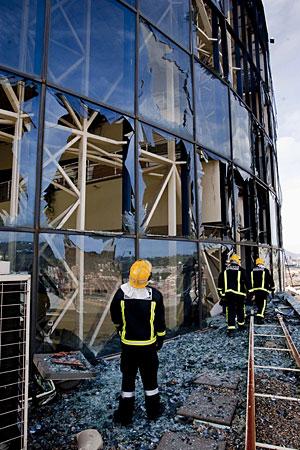 Imagen del edificio de la EiTB tras el atentado de ETA de este miércoles. (Foto: Carlos García)