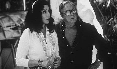 Zefirelli, con Cher, durante el rodaje de 'Té con Mussolinni'.