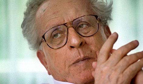 Johannes Mario Simmel, en 1996. (Foto: EFE)