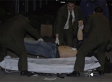 Traslado del cadáver de uno de los fallecidos en 'Heaven'. (Toledo)