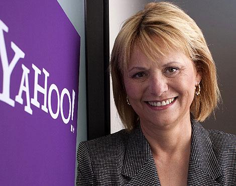 Carol Bartz posa con el logotipo de la compañía. (Foto: Reuters)