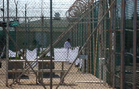 Un detenido en el llamado 'Camp Four' en Guantánamo (Foto: Reuters)