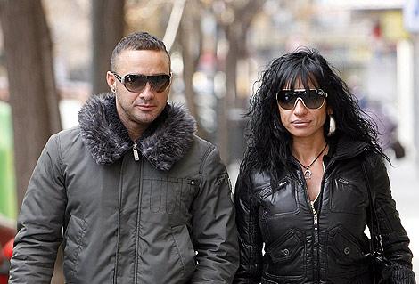 Rafa García, gemelo de Dinio, y la 'stripper' Daniela (Foto: José Cuéllar).