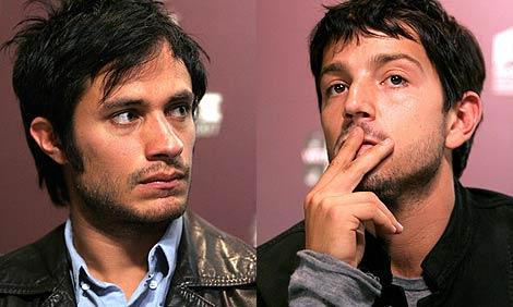 Gael García (izda.) y Diego Luna. (Fotos: EFE)