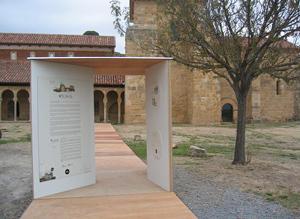 Panel en San Miguel de Escalada (elmundo.es)