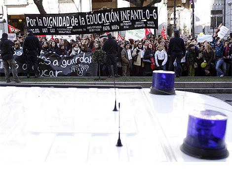 Imagen de la concentración de los trabajadores de Infantil. (S. Enriquez)