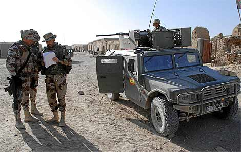 Soldados españoles desplegados en Afganistán. | Mónica Bernabé