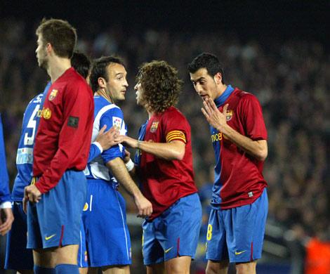 Los jugadores, sin el logotipo de Tv3 en las camisetas.   Joan Manuel Baliellas