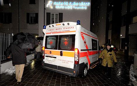 Eluana llega en ambulancia a la clínica de Udine 'La Quiete'. | Efe