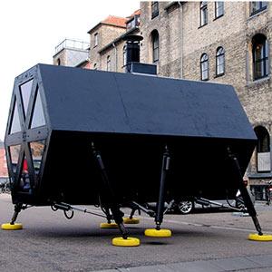 Los primeros pasos de la vivienda andante diseñada en Copenhaghe. | elmundo.es En Youtube. Ver ALBUM