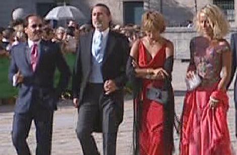 Pérez (izda.) y Correa, ambos detenidos, en la boda de la hija de Aznar. | TVE