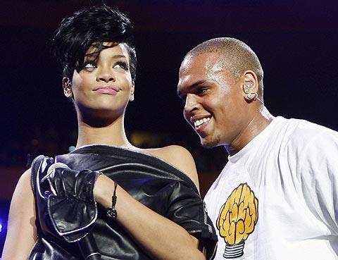 Rihanna y su pareja, Chris Brown. | Reuters