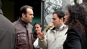 Afectados por la quiebra de Martinsa delante de la sede de la compañía en Madrid, el pasado 20 de enero. | elmundo.es