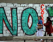 """Pintada a favor del """"no"""".   AFP"""