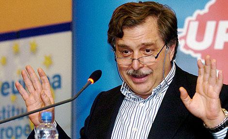 El eurodiputado y periodista Luis Herrero.   Efe