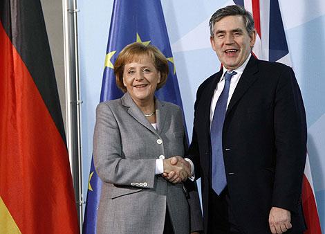 Gordon Brown y Angela Merkel en una imagen reciente. | Reuters