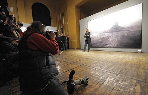 Annie Leibovitz frente a 'Monument Valley, Arizona'. | AFP
