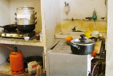 Parte del taller destinada a cocinar | Policía Nacional