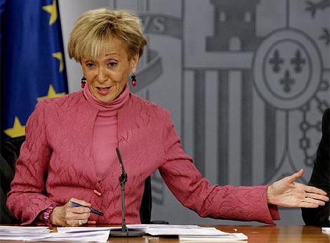 La vicepresidenta del Gobierno, María Teresa Fernández de la Vega, tras el Consejo de Ministros. (Foto: EFE)