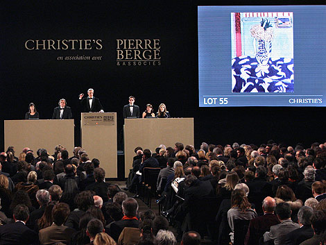 Un momento de la subasta de la obra de Matisse en París.   Afp