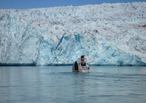 El glaciar Qaleraqdit, en Groenlandia, retrocede hasta siete kilómetros cada año. (Foto: Gustavo Catalán Deus)