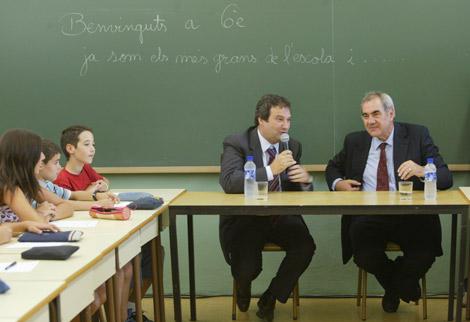 Maragall y Hereu, en una escuela de Barcelona.   Domènec Umbert