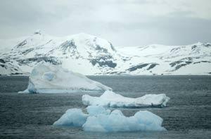 Imagen de unos icebergs en la Antártida. | AP/ Roberto Candia