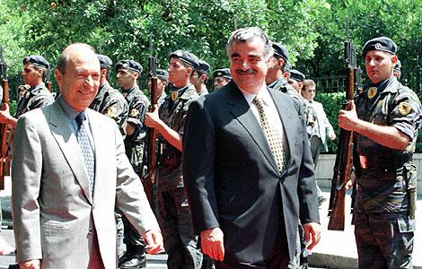 Hariri (a la derecha), de visita en Grecia en 1997. | AP