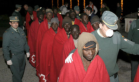 Grupo de inmigrantes subsaharianos que llegó a Motril el pasado 19 de febrero. | Efe