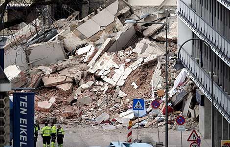Imagen de los escombros del edificio. | EFE