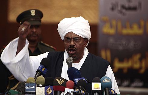El presidente de Sudán, Omar Hassan al Bashir, en Jartum, el 1 de marzo. | Reuters