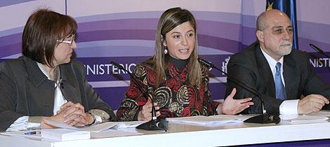 La ministra Bibiana Aído, en la reunión del Comité de Expertos. | Ministerio de Igualdad.