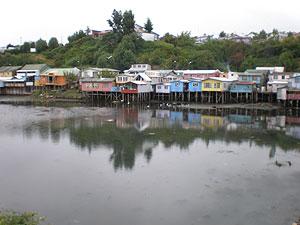 Palafitos de colores en la Isla de Chiloé. (Foto: W. F.)