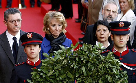 Gallardón, Aguirre y Sabanés, en el homenaje a las víctimas del 11-M en Madrid. | Alberto di Lolli