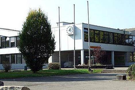 Entrada de la escuela donde se ha producido el tiroteo.