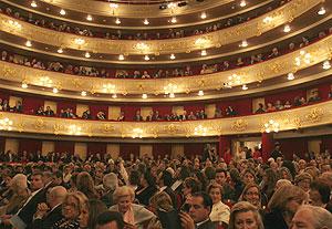 Público en el Teatro Principal | El Mundo