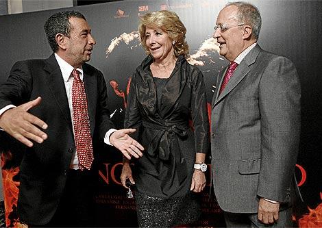 Aguirre, Garci y Fernando García de Cortazar el día de presentación del filme. (Xouvanoba)