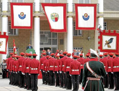 Entrega de diplomas a la 21 promoción de la Ertzaintza.   Departamento de Interior