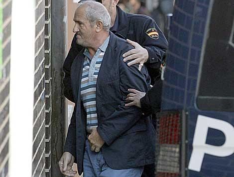 El marido de la alcaldesa de La Muela, antes de declarar ante el juez. | Efe
