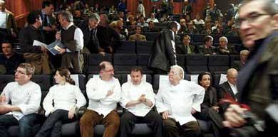 Los reputados cocineros donostiarras en la presentación del congreso. | Efe