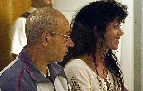 Santiago Arróspide, 'Santi Potros', e Idoia López, 'Tigresa', durante un juicio en 2004. | B. Rivas