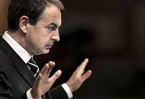 El presidente Zapatero, durante su intervención en el Congreso. | Efe