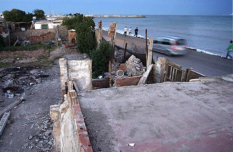 Casas derribadas en el litoral valenciano por la Ley de Costas | Benito Pajares