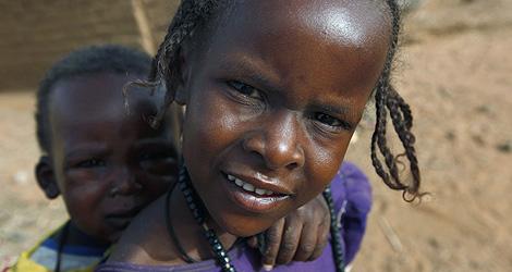 Niños sudaneses, desplazados por el conflicto. | AP