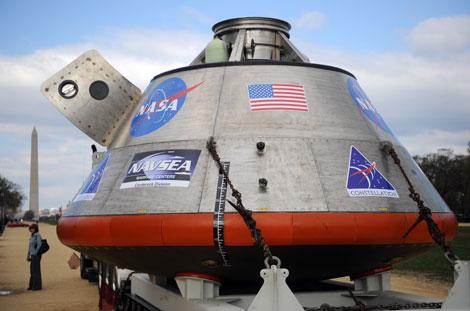 La maqueta de la futura cápsula lunar de la NASA, presentada en Washington. | AFP