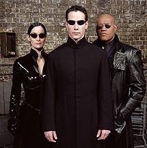 Moss, Reeves y Fishburne, protagonistas de la trilogía.