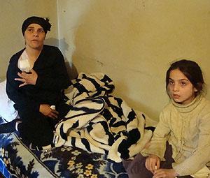 Mary y su madre, en su domicilio. | M. G. P.