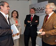 Con R. Moyano, L. Méndez y J. Sinova.