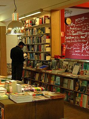 Interior de la librería Literanta.
